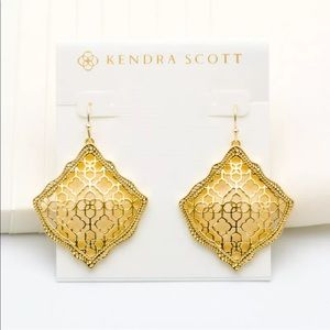 Kendra Scott Kelsey Gold Filigree Drop Earrings